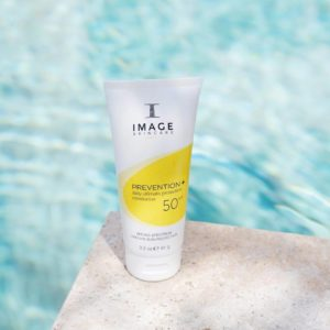 Kem-chong-nang-cho-da-hon-hop-Image-Skincare-Prevention-Daily-Ultimate-Protection-Moisturizer-SPF50